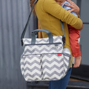 12 Diaper Bag Essentials When Cloth Diapering